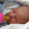 allattare-bambino-biberon