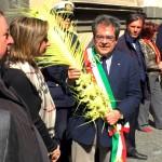 CATANIA: Bianco riceve la  palma dall' Arcivescovo Gristina