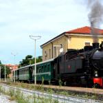 """COSENZA: """"Il Treno della Liberazione"""" Torna a sbuffare la vaporiera FCL 353"""