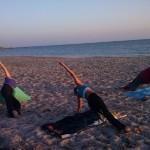 LuinoYoga con Michael Steinrotter e Giusi Gennaro:  incontri e  Pratica Yoga sulle spiagge di Marsala di Hatha Yoga