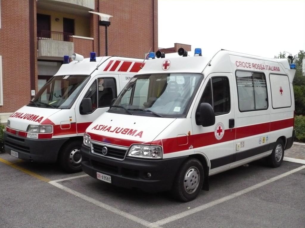 Elicottero Croce Rossa Italiana : La croce rossa italiana ricerca medici infermieri