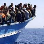 Le coste della Sicilia si affollano di migranti