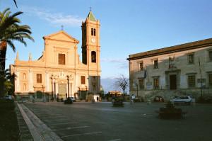 credit: https://commons.wikimedia.org/wiki/File:Termini_Imerese_bjs07-01.jpg