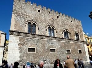 taormina-palazzo-corvaia