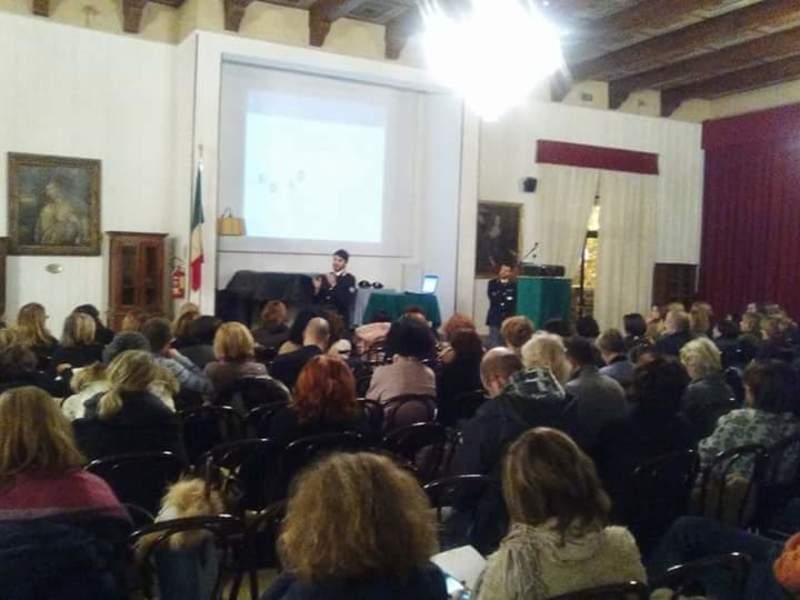 A Castelvecchio con la Polizia postale per parlare di cyberbullismo, chiude ANAS con intervento sulle dipendenze