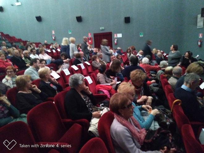Tra cultura identità tradizione per combattere la solitudine e favorire il dialogo al teatro con i BARLAFUS