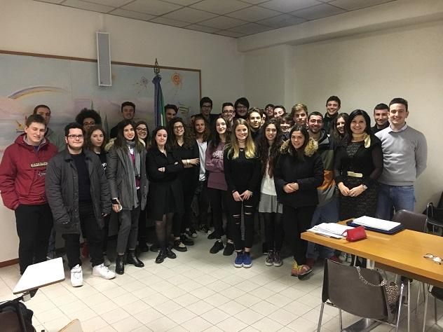 Oggi gli studenti in tutta Italia sosterranno la prima prova degli esami di Stato. IN BOCCA A  LUPO RAGAZZI